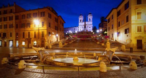 Piazza di Spagna, un loc frumos din Roma care trebuie vizitat neapărat.