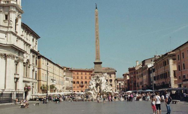 Piața Navona, un obiectiv turistic de vizitat în Roma.